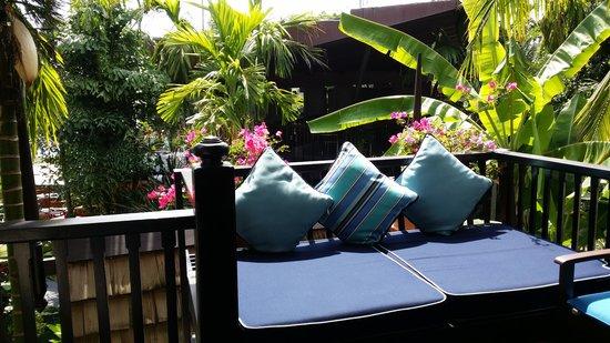 Anantara Bophut Koh Samui Resort : balcony beds