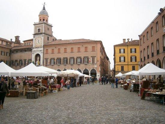 Piazza Grande : Con mercato 1