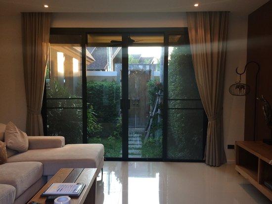 The Kiri Villas Resort: ห้องนั่งเล่น