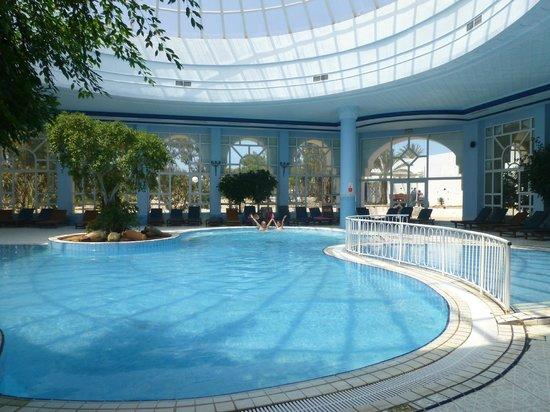 El Mouradi Djerba Menzel : La piscine intérieure