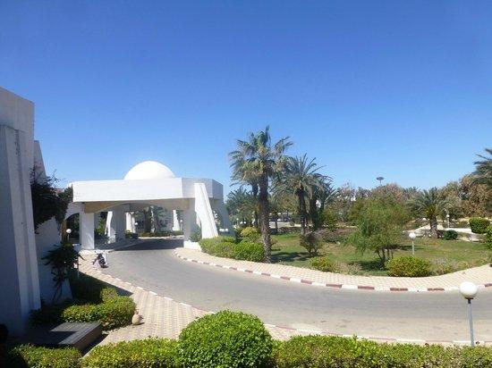 El Mouradi Djerba Menzel : L'entrée de l'hôtel
