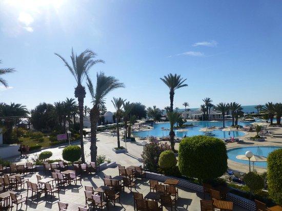 El Mouradi Djerba Menzel : Vue sur la piscine