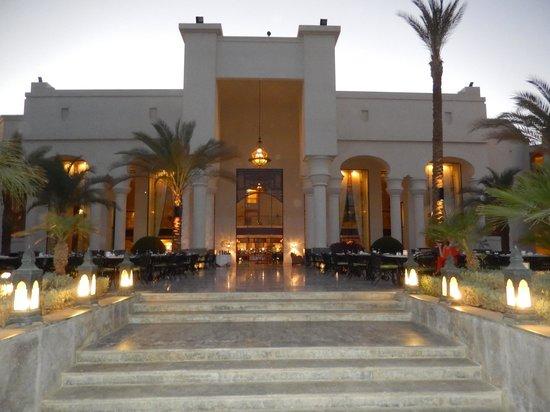 The Palace Port Ghalib : The beautiful restaurant