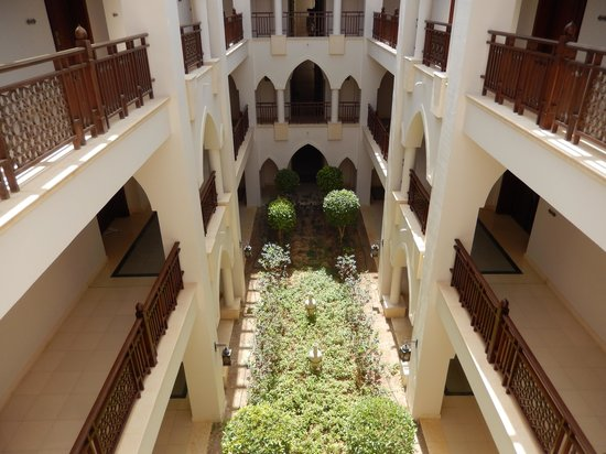 The Palace Port Ghalib : One of the patios in the hotel