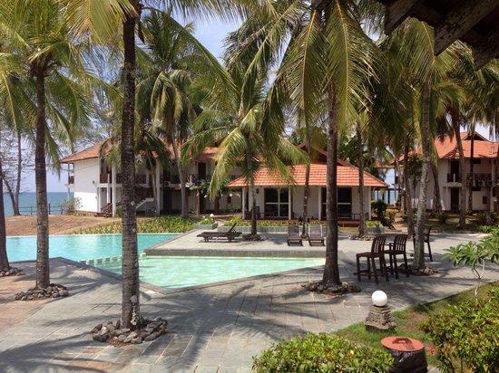 Sutra Beach Resort Terengganu: Sea view villas