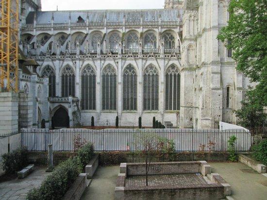 Mercure Rouen Centre Cathedrale Hotel : Vue de la chambre sur la cathédrale