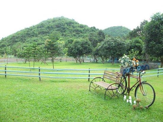 Porploen Hip Resort @Suan Phung: มุมยอดฮิต