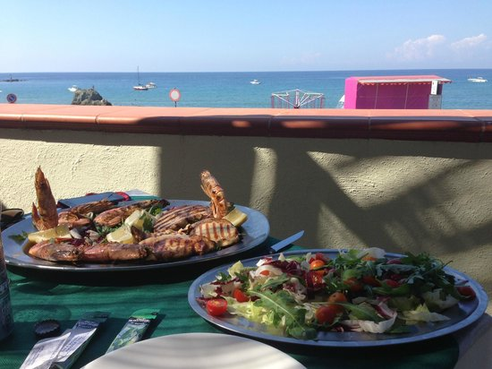 Arco D'Oro Bed & Breakfast : pranzo in terrazza...