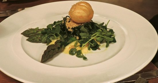 The Royal Oak : Deep Fried Egg on bed of Asparagus & Watercress