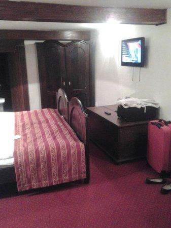 Hotel Waldstein : Antique Furniture