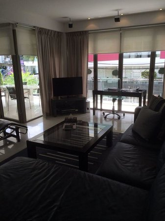 BYD Lofts Boutique Hotel & Serviced Apartments: big living room