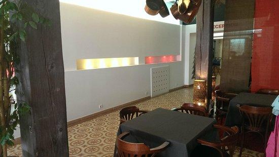 Hotel Le Glacier: Eingangsbereich vom Platz her