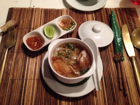 Maison Souvannaphoum Hotel : Mushroom and pork soup