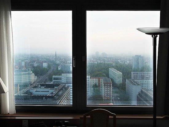 Park Inn by Radisson Berlin Alexanderplatz: Vista desde la habitación 2633