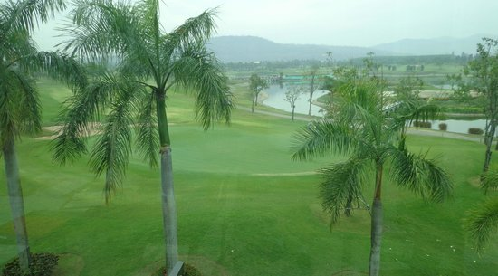 Pattana Golf Course: View from restaurant