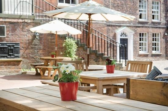 Cellar Bar: The Judges Lodgings | Outside Dining