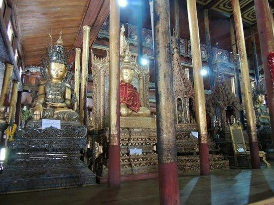 Nga Phe Kyaung Monastery: Old Buddhas