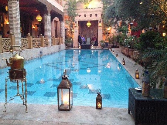 La Maison Arabe: Piscina interna del Riad