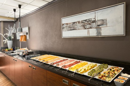 NH Capelle: Breakfast Buffet