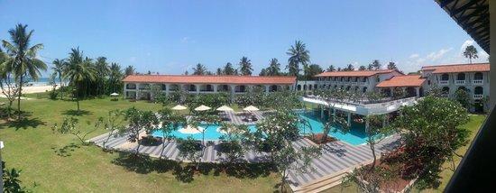 Heritance Ayurveda Maha Gedara : Hotelanlage mit grossem Pool