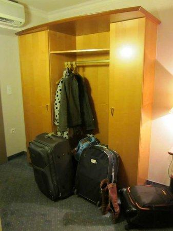Der Wilhelmshof: The closet