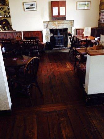 Eskdale Inn: Cozy bar area
