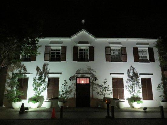 Vineyard Hotel: The original house - at night