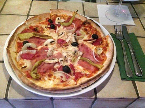 Südlich: Weltbeste Pizza! :-P