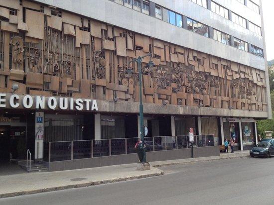 Hotel Reconquista: Impressive facade
