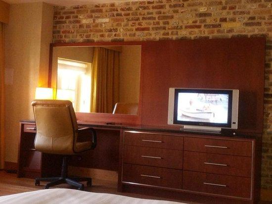Ghent Marriott Hotel: Espace travail chambre 235