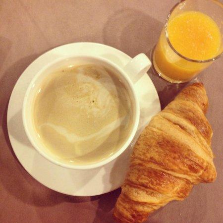 Mercure Paris Porte d'Orleans : Delicious Breakfast