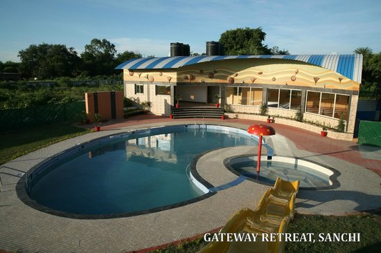 Swimming Pool,Gateway Retreat, Sanchi