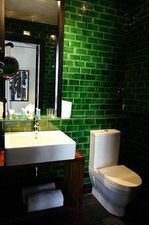Hotel Praktik Rambla: Nice bathroom