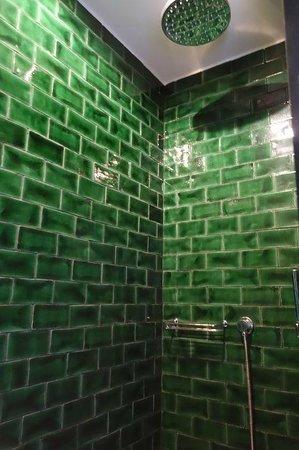 Hotel Praktik Rambla: Shower