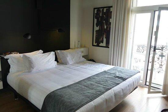 Hotel Praktik Rambla: Comfortable bed