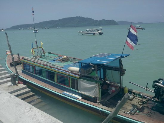 Baan Mai Cottages : boat transfer to hotel