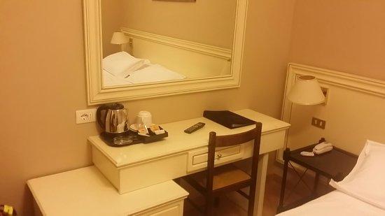 Ambasciatori Place Hotel : Camera