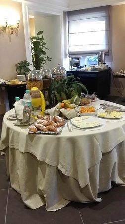 Ambasciatori Place Hotel : colazione