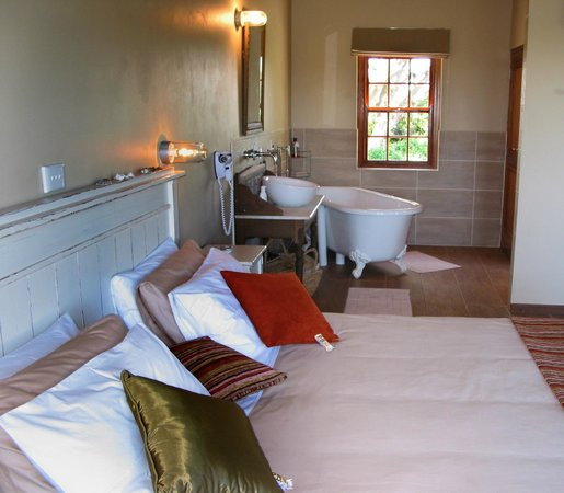 Oyster Bay Lodge: Interior of Luxury Chalet