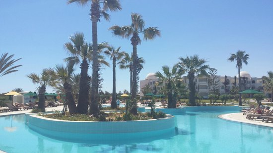 Djerba Plaza Hotel & Spa : Piscine