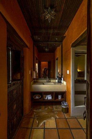 Gage Hotel : Los Portales Room Vanity Area