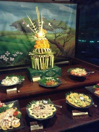 Ramada Bintang Bali Resort: BBQ Buffet