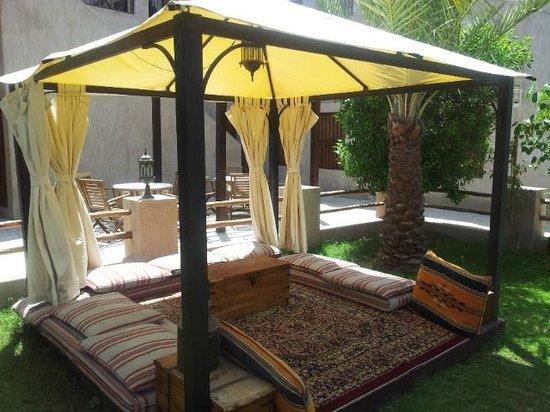 Barjeel Heritage Guest House: 庭園