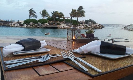 Baoase Culinary Beach Restaurant: Diner for two