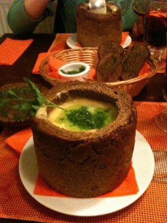 Kiploku Krogs : Суп в хлебном горшочке