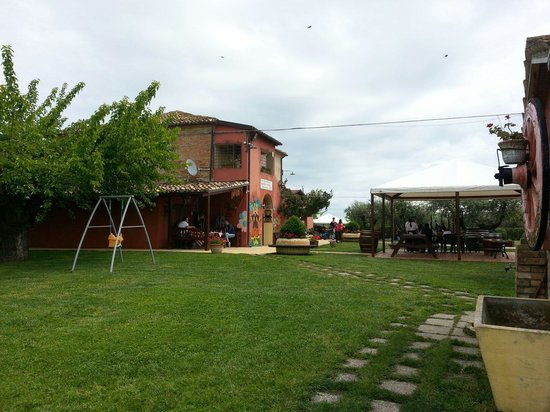 Atri, إيطاليا: Esterno