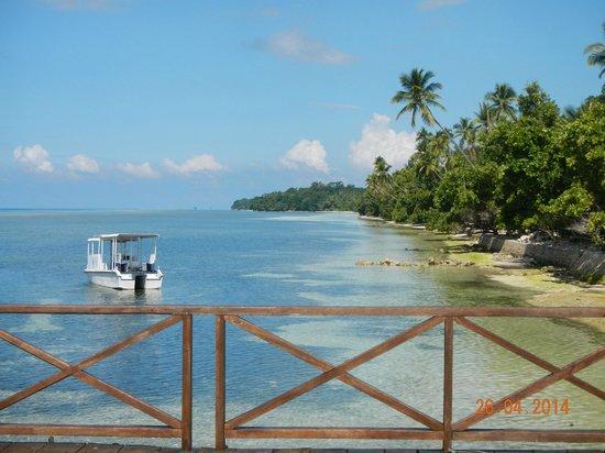 Patuno Resort Wakatobi : Pemandangan dari pier di restoran