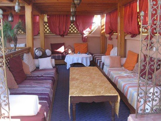 Riad Reves D'orient : salon sur la terrasse