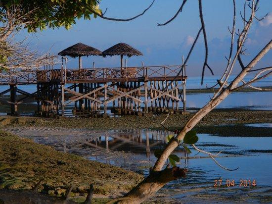 Patuno Resort Wakatobi : pier di dean restoran
