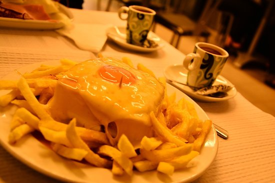 Cafe Santiago : Francesinha and coffee